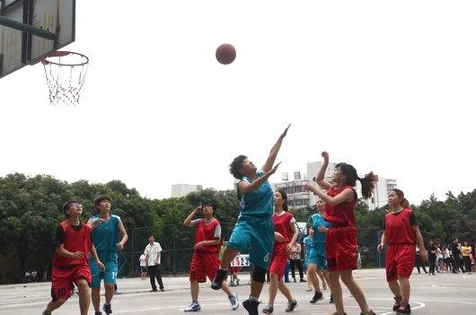 """第十五届""""华联杯""""篮球赛快乐结束"""